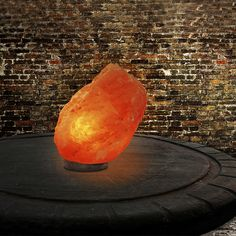 Les cristaux de sel en lampe ou en bougeoirs permettent de purifier notre environnement. Ils sont particulièrement conseillés pour les personnes stressées.