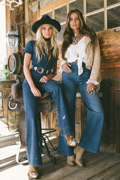 65 Ideas Country Concert Outfit Winter Look so Awesome - trend viral ideas Concert Outfit Winter, Country Concert Outfit, Fall Festival Outfit, Festival Outfits, Winter Fashion Outfits, Boho Fashion, Winter Outfits, Steampunk Fashion, Gothic Fashion