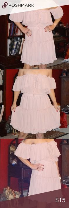 """NEW Pale Pink Chiffon Off-Shoulder Flowy Dress! This adorable dress is a size small by Simplee.  I stand 4'11"""" tall and weigh 105 pounds and it fits me perfectly.  It's flowy and very feminine, and the off-shoulder styling is very romantic.  It is made of chiffon and is lined, and it is brand new with the tags still attached. Simplee Dresses"""