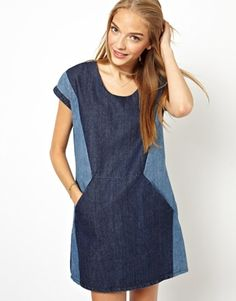 denim on denim - the easy way // denim colorblock dress w/ pockets