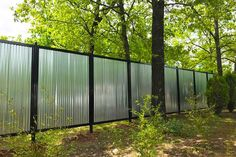 34 Amazing Privacy Fence Design Ideas For Your Garden - There are three wood privacy fence designs that rank among the top. These include the lattice-top, shadowbox and your basic privacy fence. Cheap Privacy Fence, Privacy Fence Designs, Outdoor Privacy, Privacy Walls, Diy Fence, Backyard Fences, Fence Ideas, Garden Ideas, Backyard Landscaping