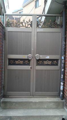 Door South Korea Beauty, Stainless Steel Gate, Door Gate, Outdoor Furniture, Outdoor Decor, Outdoor Storage, Garage Doors, Home Decor, Carport Garage