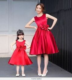 10 Cutest Mom And Baby Christmas Dress Matching Pair - mybabydoo Source by rebecagramada and me outfits Outfits Madre E Hija, Mom Daughter Matching Dresses, Matching Clothes, Mom And Baby Outfits, Mother Daughter Fashion, Dresses Kids Girl, Baby Dresses, Midi Dresses, Kind Mode