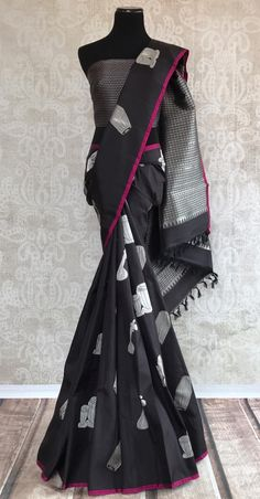 Classy and graceful kanjivaram silk saree with different instrument buta. Perfect for wedding parties. Indian Silk Sarees, Ethnic Sarees, Pure Silk Sarees, Cotton Saree, Indian Attire, Indian Ethnic Wear, Indian Outfits, Saree Trends, Black Saree