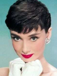 Audrey Hepburn - breakfast at tiffanys classic makeup, red lipstick