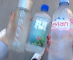 im the evian of the group. Water Aesthetic, Blue Aesthetic, Soft Grunge, Pale Tumblr, Fiji Water, Foto Pose, Favim, Vaporwave, Drinking Water