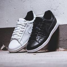 more photos 75f7c cde3b Nike wmns Tennis Classic Ultra PRM Quickstrikes Snicker Shoes, Nike Tennis,  Sneaker Stores,