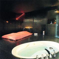 Best of Casa Vogue, 1985 Mid Century Interior Design, Retro Interior Design, 80s Design, Design Ideas, Interior Architecture, Interior And Exterior, Le Palace, Decor Pad, Vintage Interiors
