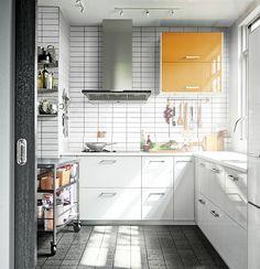 Papel de pared, armarios modulares, pizarras.... Da un toque personal a tu cocina.