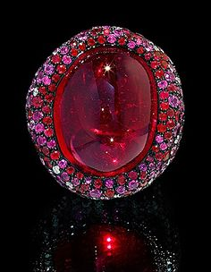 Mousson Atelier, collection New Age - Moss, ring, Yellow gold 750, Tourmaline rubellite 39,32 ct., Diamonds, Multicolored sapphires
