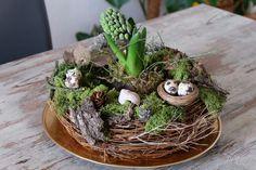 Frühling auf dem Tisch: dekorativer Kranz