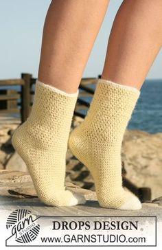 """DROPS 120-35 - Hæklede DROPS sokker i """"Alpaca"""". Str 35 til 43. - Free pattern by DROPS Design"""