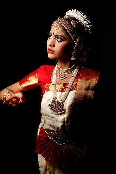 Naveen Thota Photography | Neha - SKDC 2017 Dance Themes, Indian Classical Dance, Dance Poses, Dance Photography, Beautiful Ladies, Indian Beauty, Dancers, Watercolor Art, Folk Art