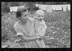 Family of Arkansas sharecropper