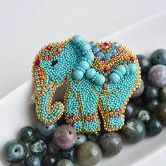Бирюзовый слон, вышит на заказ. Очень мне нравится
