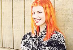 Hayley Williams Hair Blog! — Requested: 'little spam of the baby bangs?'  1 / 2