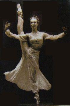 Sylvie Guillem - La Bayadere