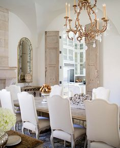 beautiful dining room!