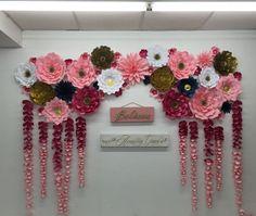 Fügen Sie eine Atem nehmen Kulisse bei Ihrer nächsten Veranstaltung mit dieser atemberaubenden Papierblumen und außergewöhnliche drapieren Blumen, Blumen können angepasst werden, um jede Veranstaltung Farbpalette!! Angebot beinhaltet: 3 - 14 Blumen aus Papier 9 - 12 Blumen aus