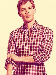 Joseph Morgan hello :) klaus .. Can't wait for jan 17... Really want klaus and Caroline to get together