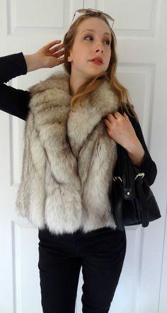 933634ede6 Blue Fox Fur Vest Jacket Refurbished Fur Coat Size L White Ivory New Lining