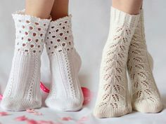 Step-by-step guides for beginners on how to knit socks with knitting needles. If you want to please your loved ones and knitted socks, which I will k Crochet Slippers, Knit Crochet, Teen Stockings, Knit Shoes, Cute Socks, Knitting Socks, Leg Warmers, Cute Outfits, Clothes