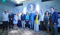 En cada una de las categorías, se otorga un Premio consistente en un millón de pesos, para que los premiados puedan invertirlos por el bien común de t...