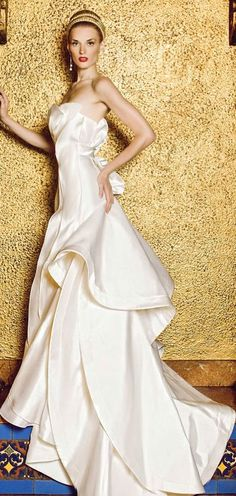 Yumi Katsura gown...in heaven, I want a closet full of gowns that I get to wear