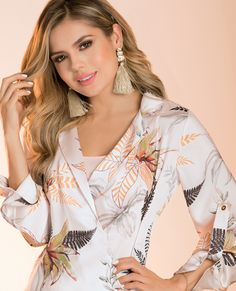 BLUSA FONSECA  DEL CATALOGO DE ROPA TYT 04419 Bell Sleeves, Bell Sleeve Top, Women, Fashion, Neck Design, Feminine, Chic, Moda, Women's