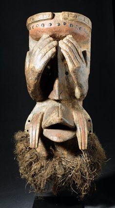 Catawiki online auction house: Spectacular and large mask - GUERE - Ivory Coast