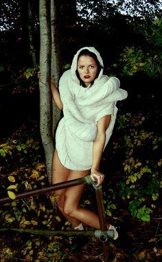 Knitted Showpiece,  Designed by Liselotte Pedersen,  Model: Pernille Steen-Hansen