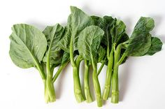 An introduction to Chinese greens, how they look like, how to store, how to prep and cook with them, and related recipes. Vegetable Base Recipe, Chinese Greens, Chinese Food, Chinese Recipes, Base Foods, Celery, Spinach, Vegetarian, Healthy Recipes