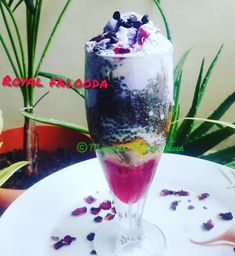 Black Currant Ice Cream, Falooda Recipe, Indian Street Food, Black Currants, How To Make Homemade, Dried Fruit, Dessert Recipes, Desserts, Syrup