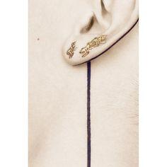Goldene Armeisen, die am Ohr hochkrabbeln Harpers Bazaar, Arm, French, Watches, Rings, Jewelry, Fashion, Schmuck, Moda