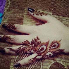 #henna#passion#lovely#saudi clients# Finger Henna Designs, Arabic Henna Designs, Eid Mehndi Designs, Mehndi Designs For Fingers, Beautiful Henna Designs, Beautiful Mehndi, Henna Tattoo Designs, Arabian Mehndi Design, Khafif Mehndi Design