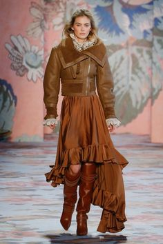 https://www.vogue.com/fashion-shows/fall-2018-ready-to-wear/zimmermann/slideshow/collection#19