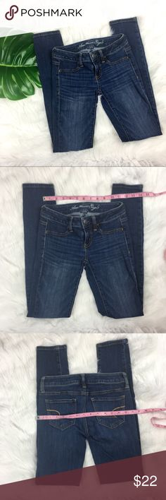 American Eagle Skinny Jeggings American Eagle Skinny Jeggings. Size 0 with 7' rise and 29' inseam. Pre-owned condition with some wear.  ❌I do not Trade 🙅🏻 Or model💲 Posh Transactions ONLY American Eagle Outfitters Jeans Skinny