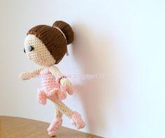 Martina ballerina classica realizzata a uncinetto con tecnica Amigurumi in cotone