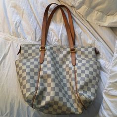 Damier Azur LV Starting to patina- 100 authentic. Comes with dust bag. Mm size. Inside has no stains, the only sign of wear is the slight patina at the top of the straps- no cracking Louis Vuitton Bags Shoulder Bags