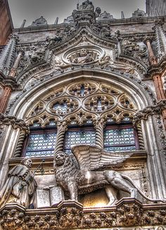 Venetian lion on the Doge's Palace Venice Italy. Venice Travel, Italy Travel, Italy Vacation, Places In Italy, Places To See, Wonderful Places, Beautiful Places, Germany And Italy, Architecture Details
