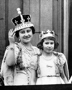 Queen Elizabeth II childhood photo  http://celebrity-childhood-photos.tumblr.com/