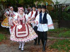 Magyar népviseletek - Déli palóc népviselet - Bácskertes - Délvidék