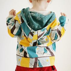 free pdf pattern and tutorial to make a hooded top, for ages 2- 6 years.