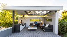 High-end-design-all-fresco-design-canopy-design-overkapping-met-lamellensysteem-vuurtafel-maatwerk-loungeset-maatwerk-buitenkeuken-hoogglans-met-barbeque-design-Erik-van-Gelder-overkapping-design. Outdoor Rooms, Outdoor Living, Outdoor Decor, Pool House Designs, Diy Terrasse, Garden Canopy, Modern Pergola, Garden Buildings, Yard Design