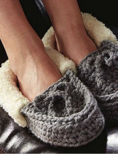 Crochet Family Moccasins + Tutorial