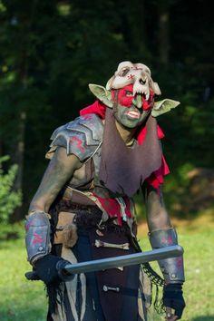 Gruik, le vieux gobelin fait encore du Trollball. (Costume 2013) (larp goblin costume)