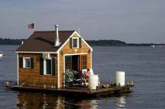 Beautiful Boat Houses | Crazy pics Trailer Casa, Shanty Boat, Houseboat Living, Water House, Boat House, Floating House, Tiny House Movement, Cabins And Cottages, Tiny Spaces