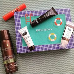 #Repost @bama_beauty_addict  My August Birchbox.. I'm pretty happy with this month's box! I chose the Air Repair as my sample this month. It's a pretty tiny sample, but I'm glad to tryout out! #birchbox #birchboxaugust#macadamiaprofessionals#drbrandt#laqa&co#airrepair#alabama #august #saturday