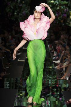 Moschino Spring/Summer 2018 Ready To Wear | British Vogue
