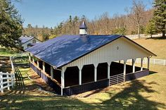 Covered arena - for relief from the hot Texas sun. Dream Stables, Dream Barn, Horse Stables, Horse Farms For Sale, Horse Barn Designs, Indoor Arena, Indoor Outdoor, Horse Arena, Horse Ranch